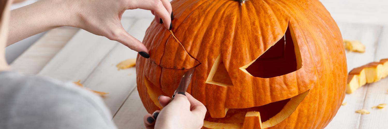 blog-pumpkinhandinj-10.12.20